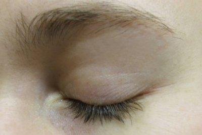 So gelingt es dunkle Augenringe abzudecken.
