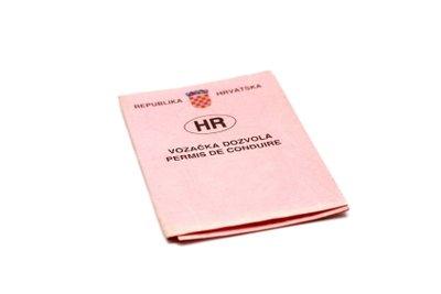 Der Fahrzeugbrief heißt nunmehr Zulassungsbescheinigung Teil II.