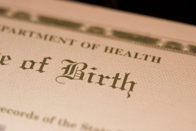Bei Verlust der Geburtsurkunde sollten Sie sich schnell um Ersatz bemühen.