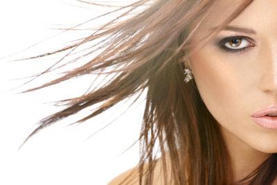 Strähnchen verleihen Ihrem Haar mehr Lebendigkeit, Struktur und Charme