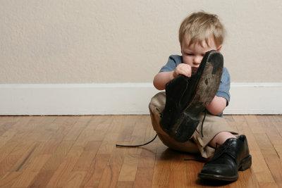 Der Schuhkauf für Ihr Kleinkind kann eine ganz schön knifflige Angelegenheit sein...