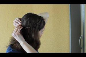Einfache Flechtfrisuren - Anleitung für schulterlanges Haar