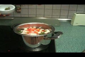 Suppenhuhn kochen - so wird´s gemacht