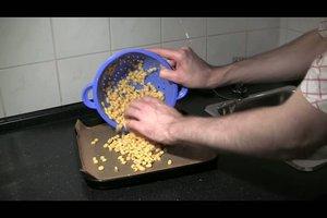 Verpackungschips kostenlos selber machen - so geht´s mit Maiskörnern