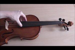 Beim Streichinstrument eine Saite wechseln