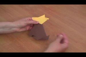 Origami-Faltanleitungen für Tiere - so gelingt ein sitzender Hund