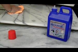 Wasserflecken auf Marmor entfernen - so erstrahlt Marmor in neuem Glanz