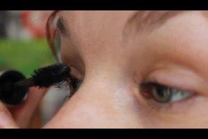 Wimpernverlängerung selber machen - Anleitung für dauerhaft dichte Wimpern