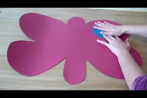 Ein Schmetterling-Kostüm basteln - Anleitung