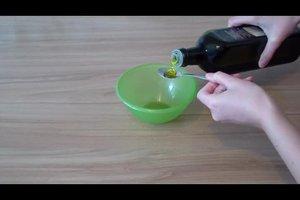 Olivenöl gegen Pickel verwenden? - Wissenswertes zu Verwendungsmöglichkeiten von Olivenöl