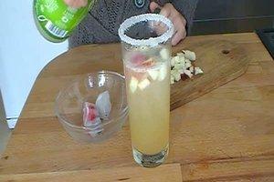 Cocktails für Kinder - Rezept für einen leckeren Fruchtcocktail