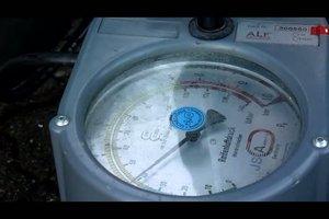 Reifendruck beim Auto prüfen - so geht das