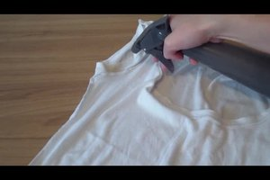 Gelbe Schweißflecken auf weißer Wäsche - was tun?