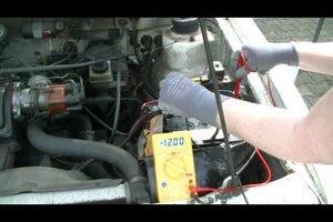 Autobatterie prüfen - so funktioniert's
