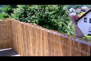 Schilfrohrmatten als Sichtschutz anbringen - darauf sollten Sie achten