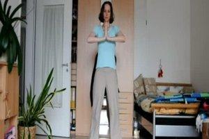 Hängebrust straffen - so geht´s mit Übungen