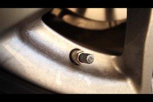 Autoreifen verliert Luft - was tun?