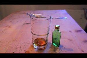 Absinth-Zubereitung - so trinken Sie ihn richtig