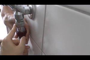 Den Wasseranschluss für die Waschmaschine richtig montieren - so geht es
