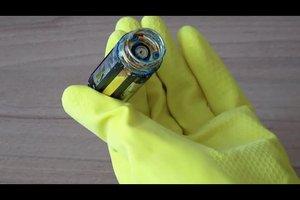 Batterie ist ausgelaufen - reinigen und das Gerät retten