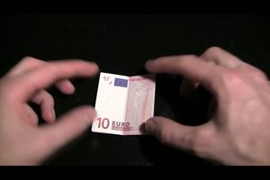 Geldschein falten als Herz - so geht´s
