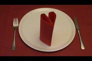 Serviettenformen - zwei einfache Falttechniken zum Nachmachen