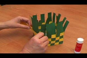 Korb aus Papier flechten - so geht´s