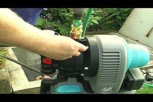 Hauswasserwerk entlüften - so geht's