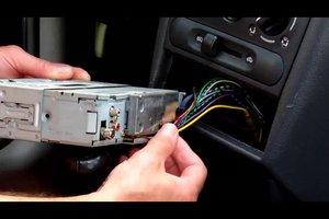 Beim Autoradio ist schlechter Empfang - mögliche Ursachen und Abhilfe
