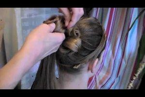 Anleitung für eine Hochsteckfrisur mit Haarteil