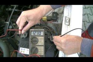 Autobatterie - Messen mit dem Multimeter, ob sie brauchbar ist