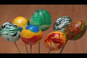 Marmorierte Ostereier selber färben - so gelingt´s