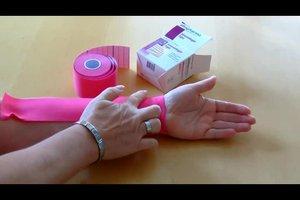Tapen am  Handgelenk - so verwenden Sie Kinesiotape