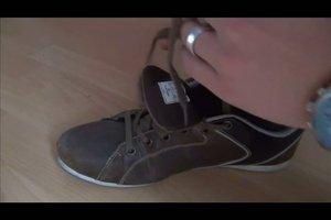 Schnürsenkel verstecken - so binden Sie Ihre Schuhe stylish