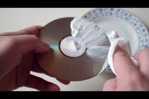 """""""Wie bekommt man Kratzer aus einer CD raus?"""" - So funktioniert's"""