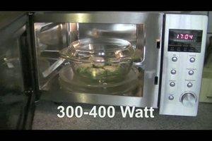 Spinat auftauen - so wärmen Sie gefrorenen Rahmspinat wieder auf