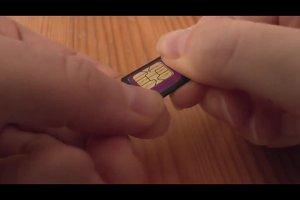 Micro-SIM in normales Handy einsetzen - so geht's mit Adapter