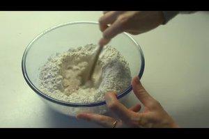 Christstollen ohne Rosinen - ein Rezept mit Mandeln