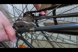 Kettenspannung beim Fahrrad nachstellen - so geht's
