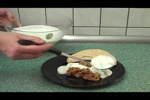 Joghurtsoße wie im Döner selber machen - so geht's