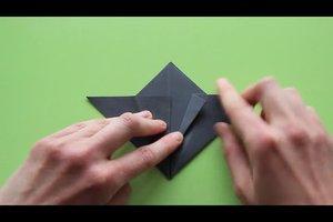 Eine Fledermaus falten - so geht's mit Origami