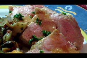 Schweinefilet zubereiten - so bleibt das Fleisch zart und saftig