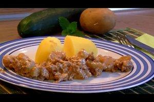 Schmorgurken mit Hackfleisch und Kartoffeln - Rezept