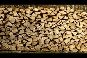 Wieviel wiegt ein Raummeter Holz - so berechnen Sie es