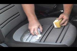 Womit reinigt man Autositze? – So werden die Polster wieder sauber