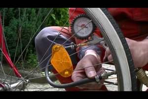 Reifen aufpumpen ohne Luftpumpe - so geht's