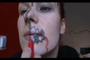 Zombie - so schminken Sie Ihr Kind für Fasching