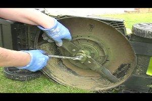 Rasenmähermesser wechseln - Anleitung