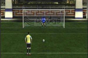FIFA11 im Arena-Modus - so gelingen Freistoß und Elfmeter