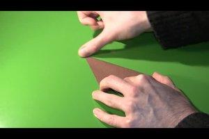 Osterhasen aus Papier falten - eine Bastelanleitung